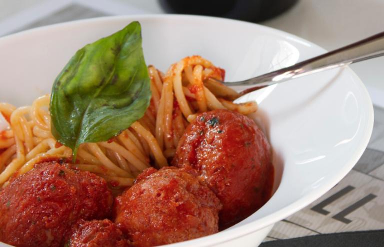 Le polpette di Diego Abatantuono in un nuovo ristorante Meatball Family a Milano