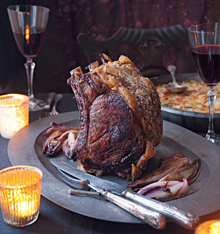 Roast Beef con radicchio rosso brasato e patate gratinate Chef Angela Hartnett