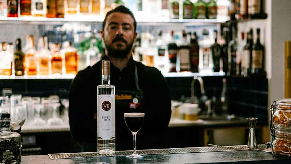 Antonio Laselva bartender e titolare del Malidea a Polignano a Mare Bar.jpg