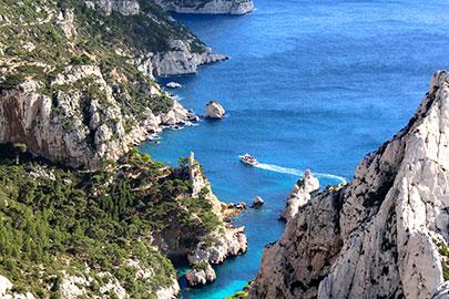 Marsilia-Calanques-Brad-Pict-FotoliaWEB