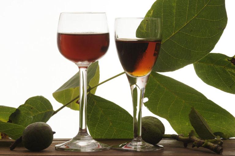 Il liquore Nocino